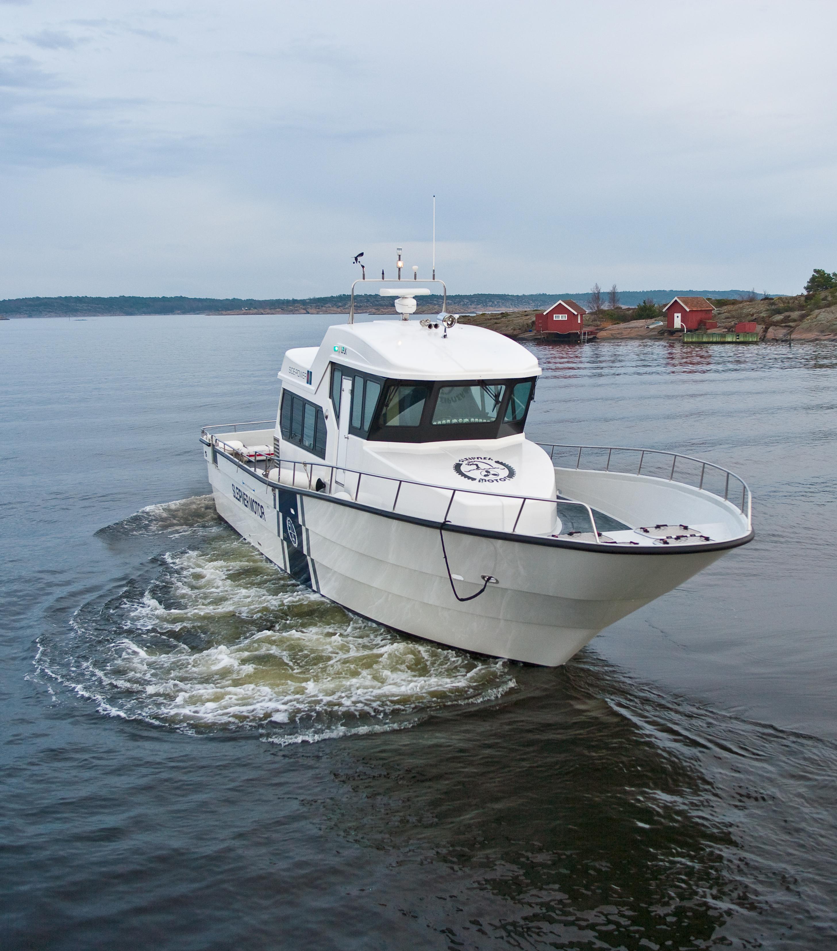 Boot mit Sleipner Bugstrahler und Heckstrahler Exturn